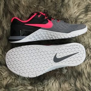 New Nike Metcon Training Gray Black Pink Size 8